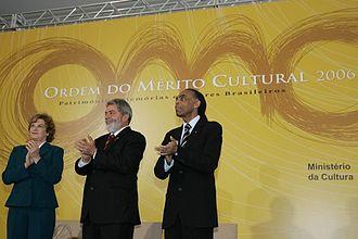 330px-Ordem_do_Mérito_Cultural_2006